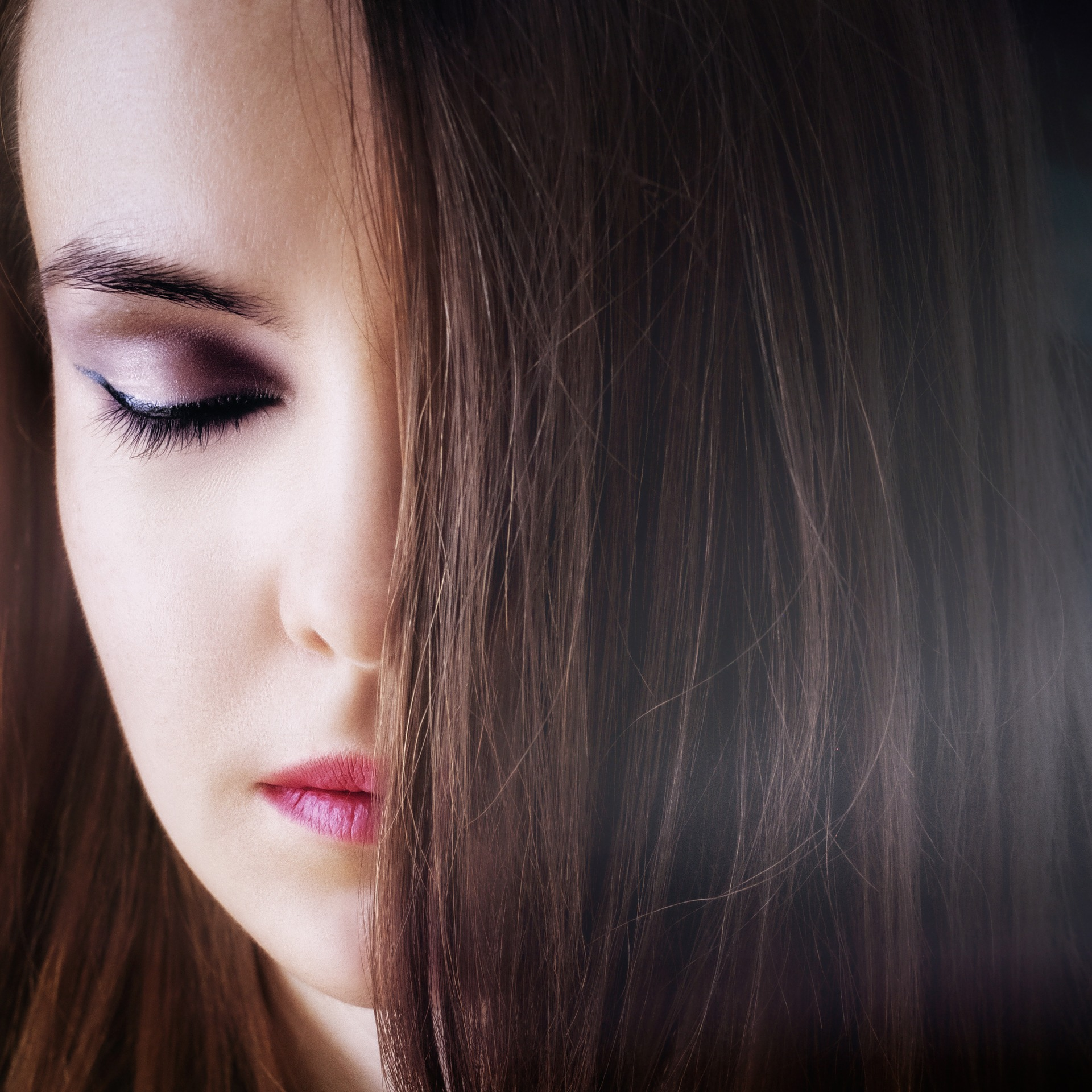 8 Best Tips To Take Care of Your Healthy & Long Hair