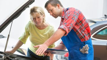 6 Signs To Know That Your Car Needs Prompt Servicing by Experts