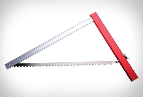 A foldable saw