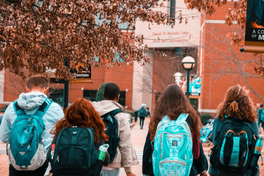 Things to Consider to Create a Successful College Startup
